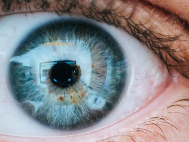 Benjamin-Eye-Care-Optical-eye-exams